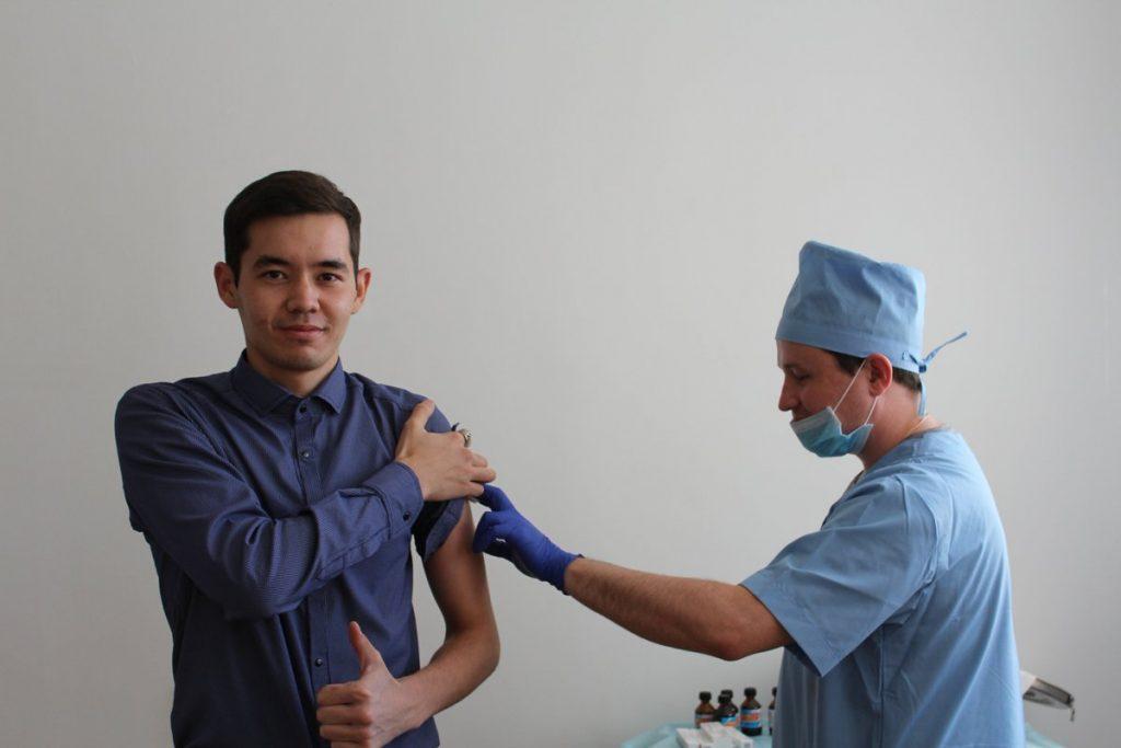 вакцинация студентов от коронавируса